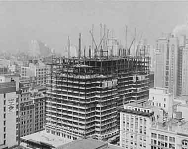 Строительство каркаса Empire State Building в New York City. 1930