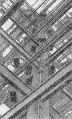 Металлоконструкция центральной части главного корпуса МГУ